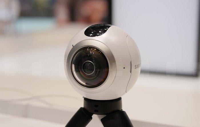 1-Samsung-Gear-360